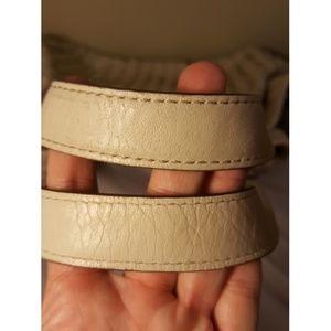 Michael Kors Bags - Michael kors Newbury large Vanilla woven satchel🌼